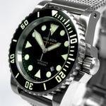 Helson-Shark-Diver