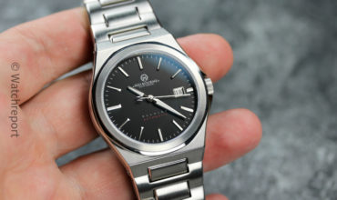 Melbourne Burnley Watch Review