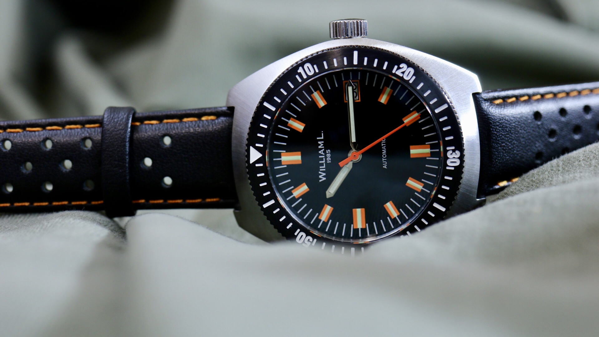 William L. 1985 Vintage Diver