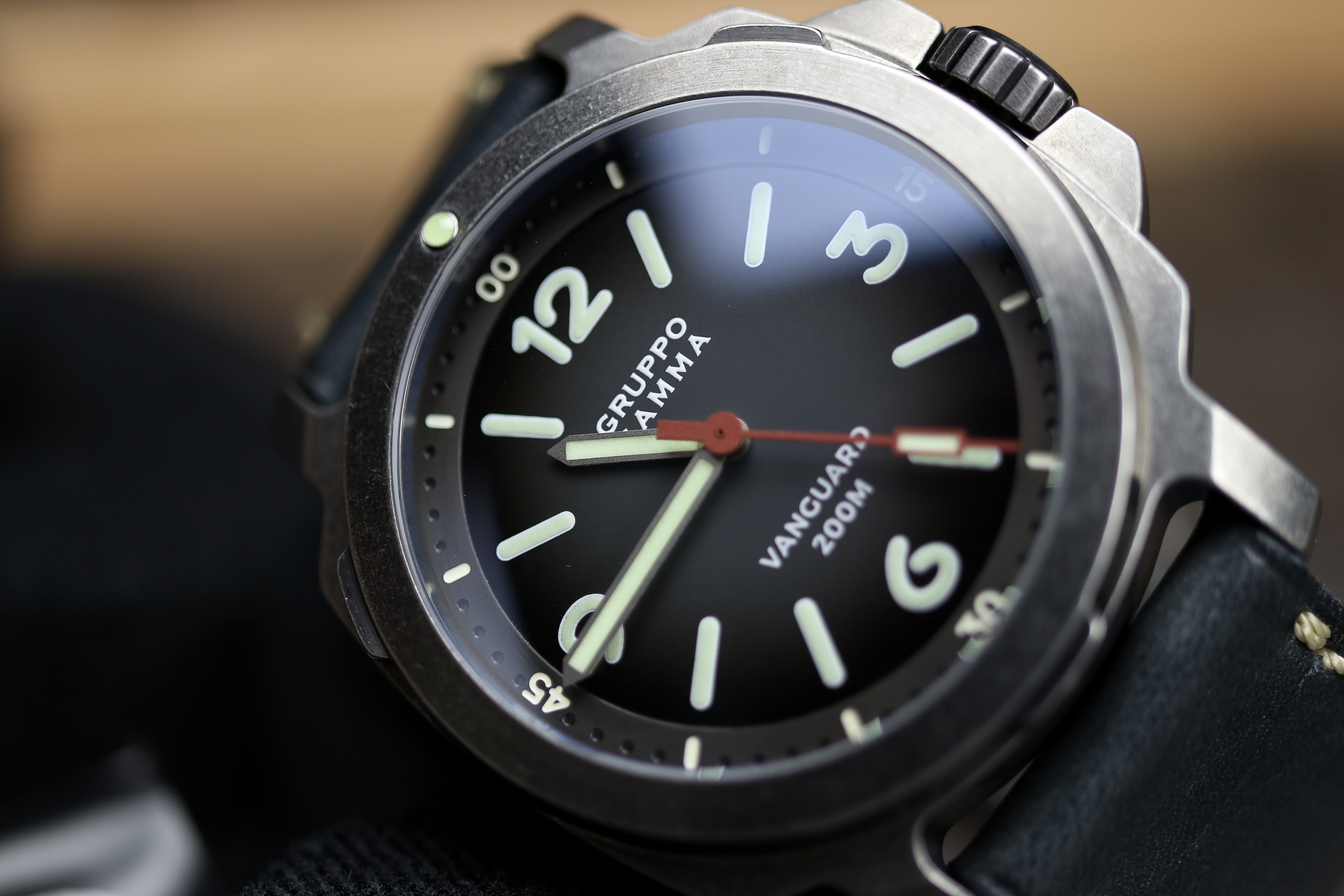 Gruppo Gamma Vanguard Aged Steel | Hands-On Review