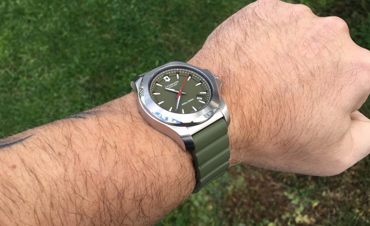 Watch_review_Victorinox_Swiss_Army_INOX